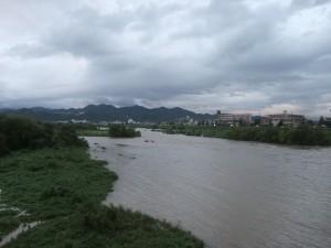 増水した桂川 2011年