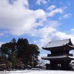 清凉寺の雪景色
