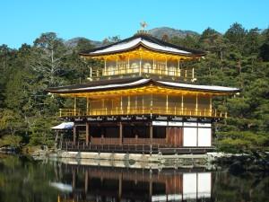 金閣寺の雪化粧
