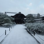 雪の仁和寺