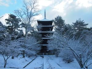 仁和寺 雪の五重塔