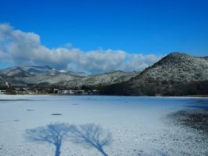 広沢池の雪景色