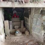 瓜生山 勝軍地蔵の石室跡