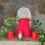 瓜生山 勝軍地蔵の石室跡の地蔵