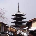 八坂の塔の雪