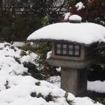 勧修寺 雪の灯籠