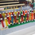 四条大宮駅に置かれる嵐山駅のレゴブロック