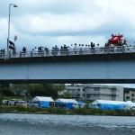 船渡御が中止で桂大橋を渡る
