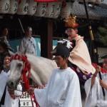 八坂神社に馬のまま入る駒形稚児