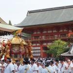 八坂神社で担がれる神輿
