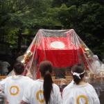 野宮神社前での女神輿