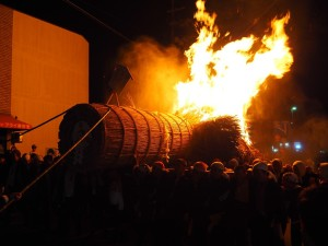 三栖神社の炬火祭