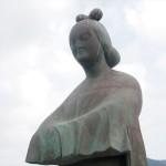 穴穂部間人皇女の像