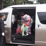 時代祭 タクシーで来られる芸舞妓さん