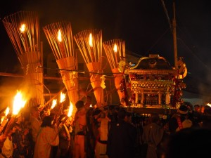 鞍馬の火祭 神輿と神楽松明