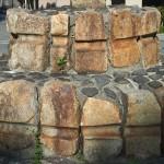 京津国道改良工事紀年碑の車石